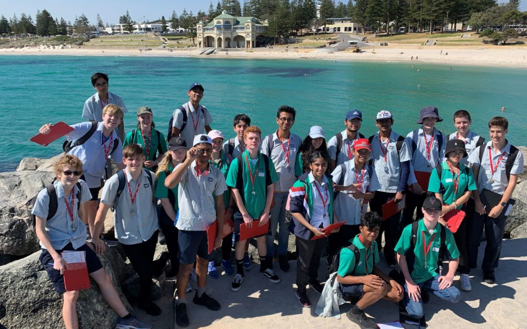 Earth and Environmental Science Students Head to the Beach